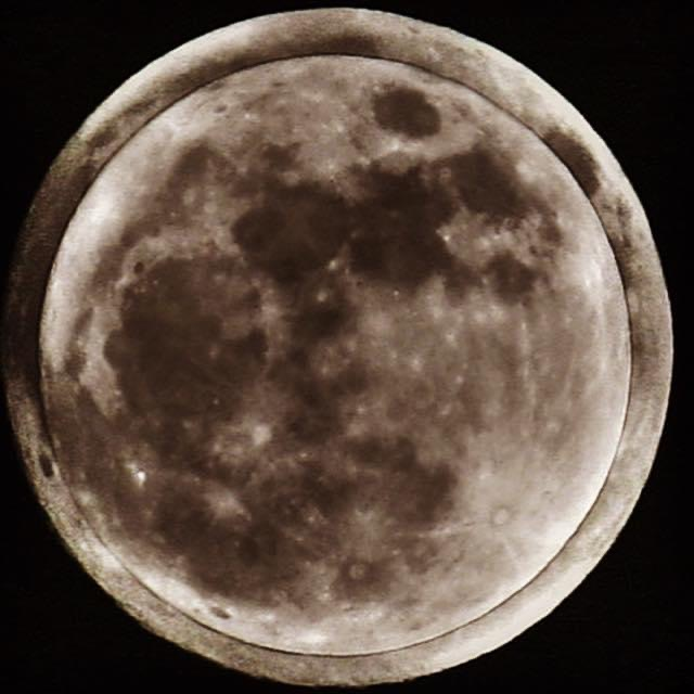 supermoon-and-full-moon-size